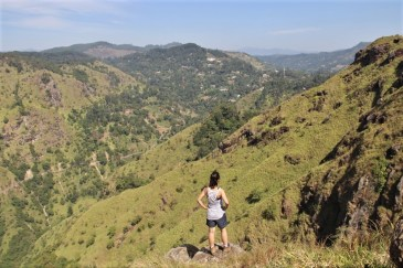 INTRO_vue-little-adams-peak-Ella-Sri-Lanka