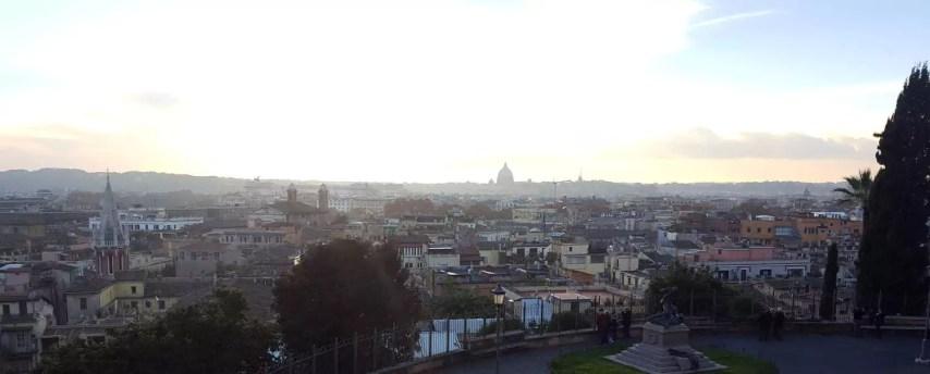Blick über Rom oberhalb spanische Treppe