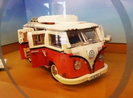 Bulli im Lego Store Mailand