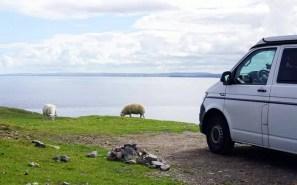 Reisen mit VW-Bus durch die schottische Highlands