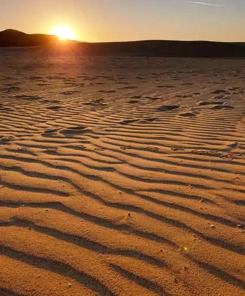 Traumstrand an der Algarve: Praia do Bordeira bei Sonnenuntergang