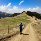 Entlang des entspannten Weges Nummer 9 geht es schnell zurück ins Tal