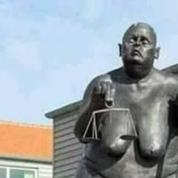Да увековечим с огромна статуя корупцията в България.