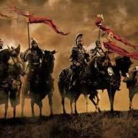 Каква е разликата между цар, крал и император?