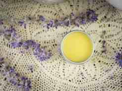 Tallow lip balm recipe with honey