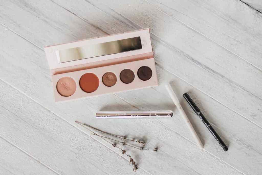 100 Pure makeup review
