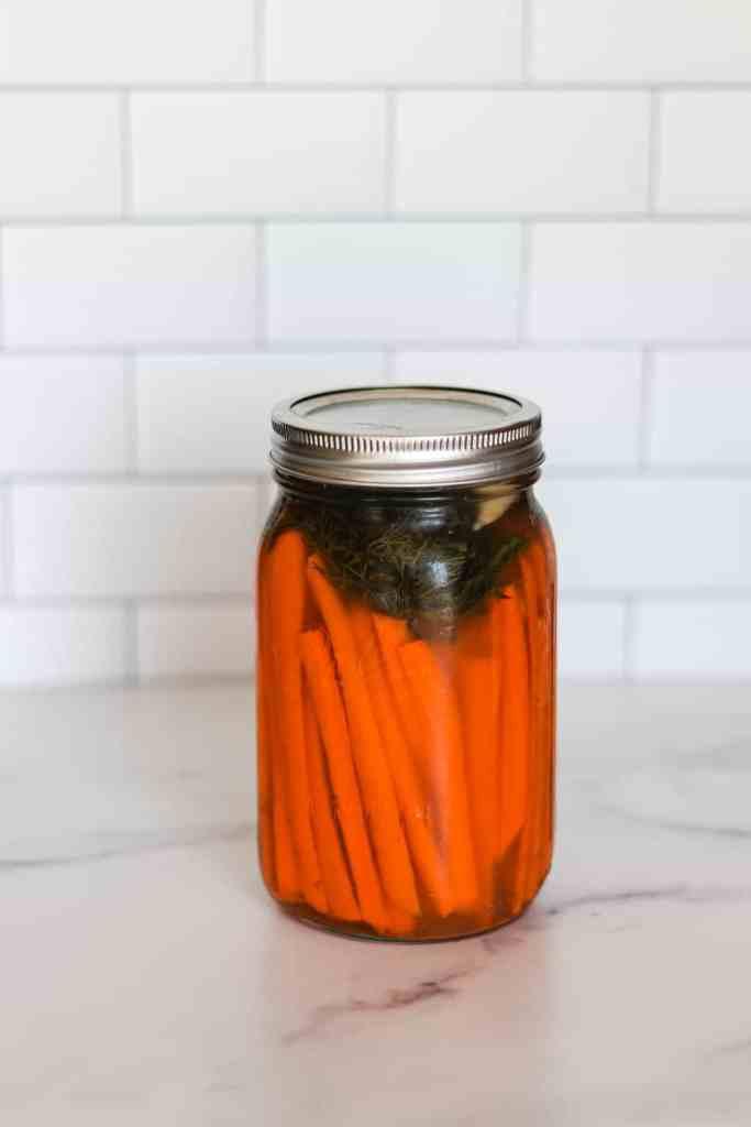 Fermented carrots dill