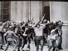 Revolusi Chile 10 Kudeta Militer dan Penangkapan terhadap Sayap Kiri