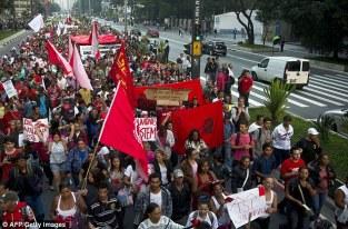 Protes FIFA 2014 01