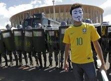 Protes FIFA 2014 04