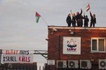 Demonstran Inggris Pro Palestina Duduki Pabrik Israel di Inggris 04