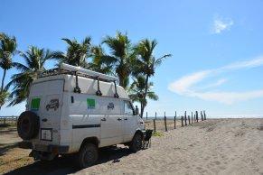 Unser Parkplatz direkt auf dem Strand