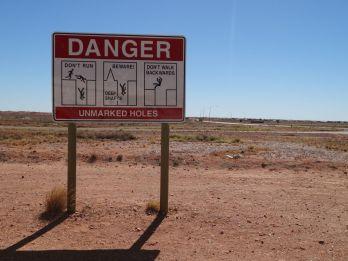 Überall um die Stadt gibt es alte Minenschächte