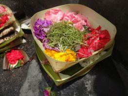 Blüten-Opfergaben