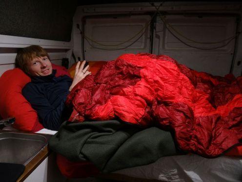 gegen die Kälte hilft nur der dicke Schlafsack