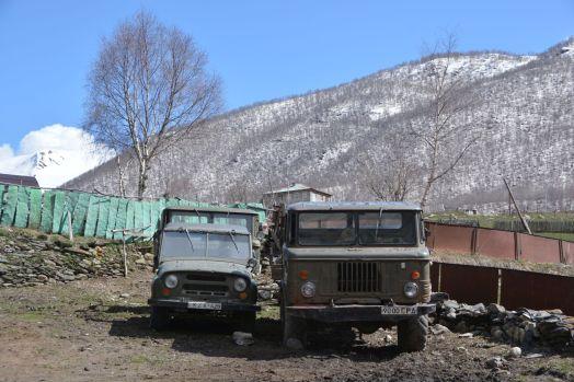 die alten Sowjet-Karren leben hier weiter