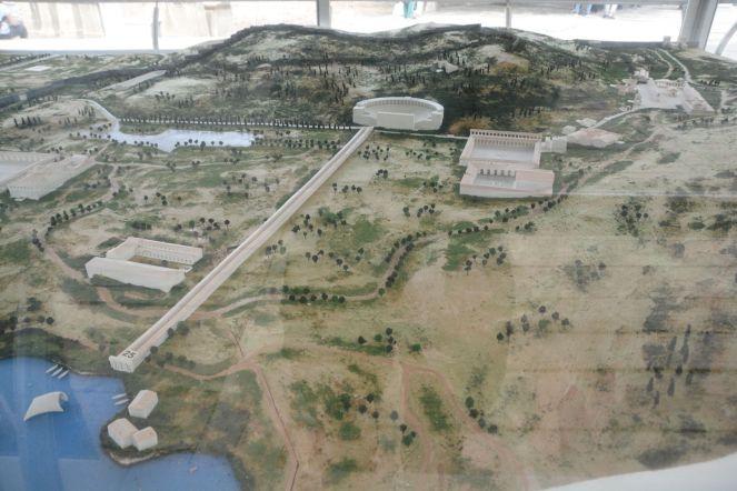 Ephesos: mit ausgebauter Straße zwischen großem Theater und Hafen