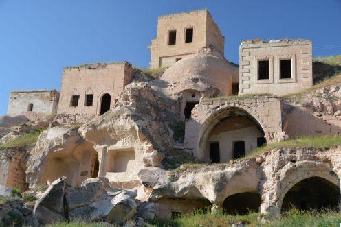 Heute stehen viele der Felsenwohnungen leer