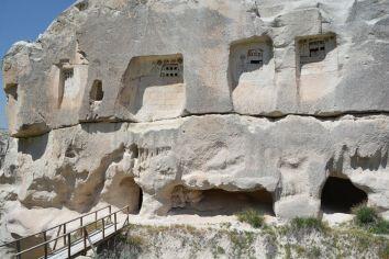 Das unscheinbare Äußere der Großen Höhlen Kirche
