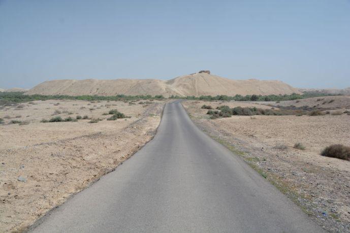 Wo einst Mauern standen sieht man heute nur noch Hügel