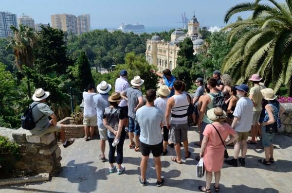 totul despre ghidul de turism