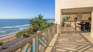 Amabhishi House – 4 Bedrooms Right On Ballito Beach