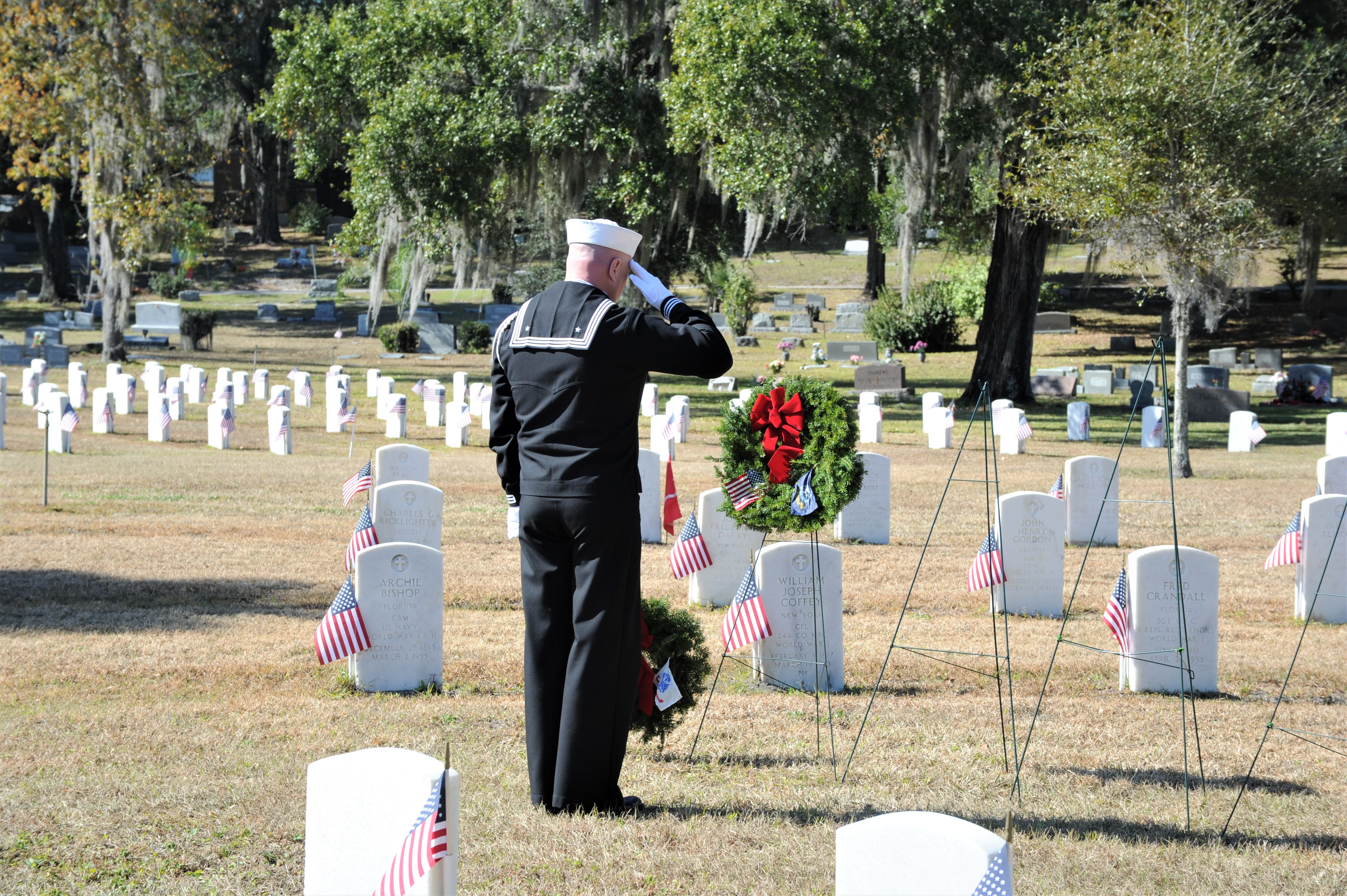 Winsted DAR chapter to hold Wreaths Across America ceremony on Saturday