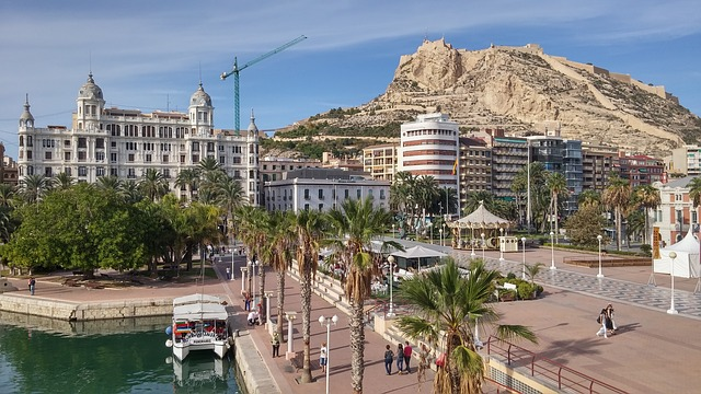 best-hostels-in-spain-alicante-castillo-santa-barbara