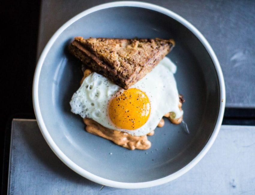 how-to-open-a-hostel-breakfast-eggs