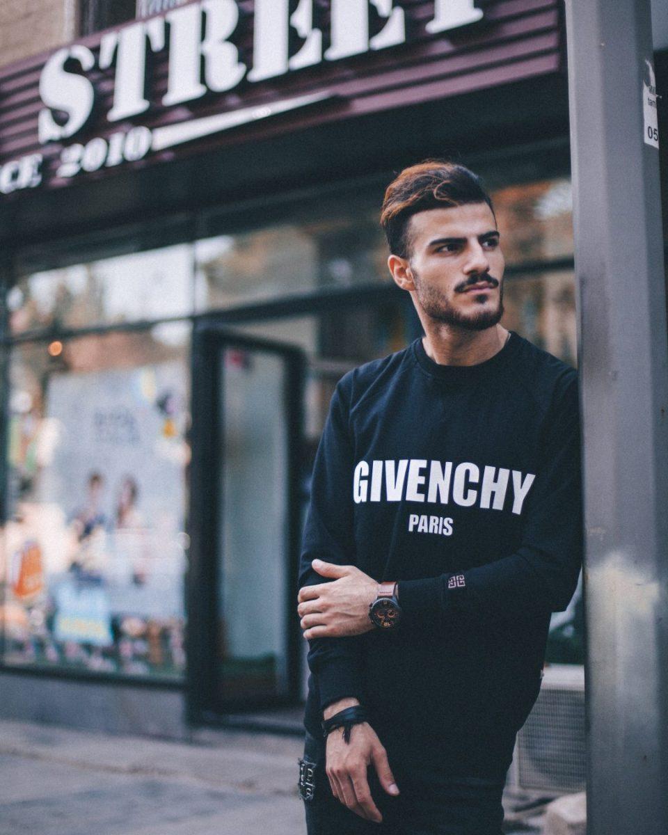9 Really Handsome Barcelona Men