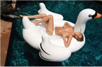 bimbos-on-inflatable-geese-4