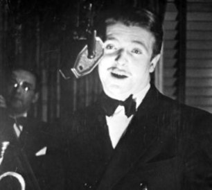 Berigan sings at the Famous Door, 35 West 52nd St., NYC; February-May, 1936.