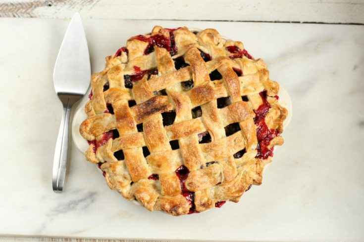Old Fashioned Blackberry Pie