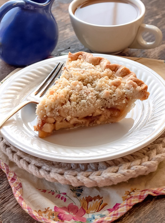 Delicious Dutch Apple Pie