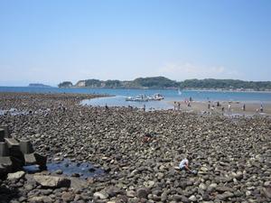 大潮の材木座海岸