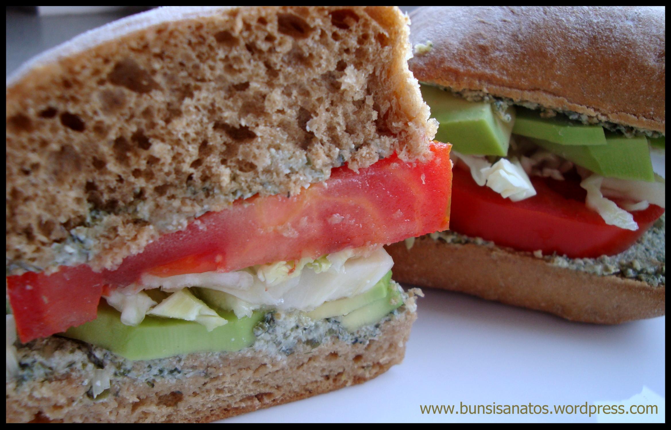 Sandwich de legume cu pasta de seminte