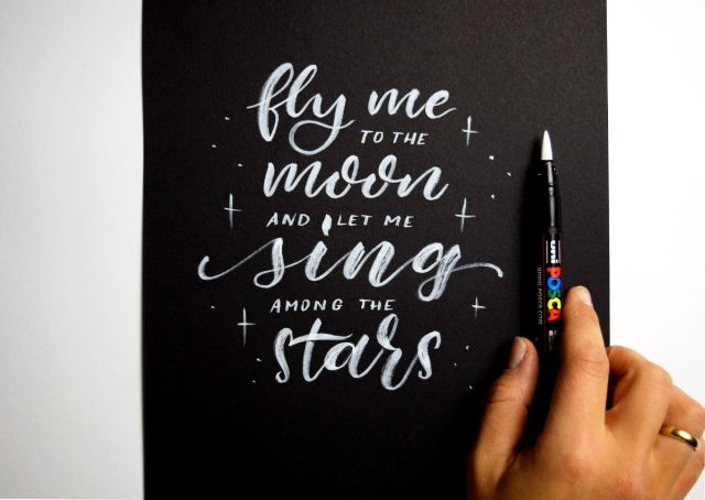 "Brushlettering ""Fly me to the moon"" - Ludmila Blum 