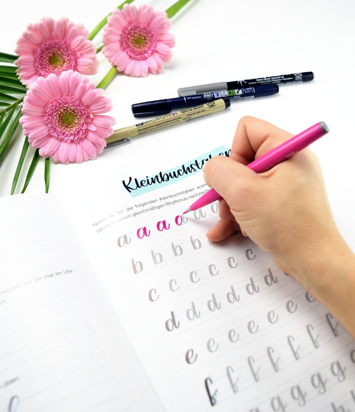 Kleinbuchstaben Brushlettering Worksheet Ubungsblatter