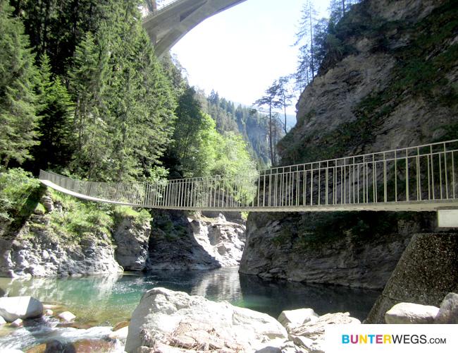 Auf der Via Spluga durch Graubünden in der Schweiz