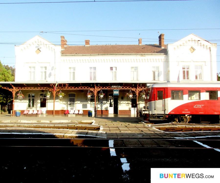 Bahnhof Lipova, Rumänien * BUNTERwegs. Der Outdoor Blog für Frauen mit Liebe zum Wandern und zur Street Art