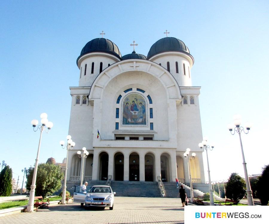 Kirche in Arad, Rumänien * BUNTERwegs. Der Outdoor Blog für Frauen mit Liebe zum Wandern und zur Street Art