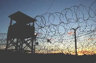 Guantanamo,_Camp_X-Ray,_at_Dusk_January_2002