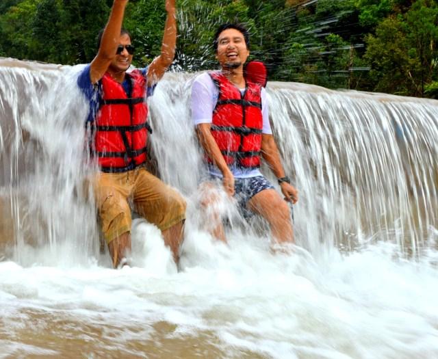 #krangsuriwaterfalls #travelblogger #guwahatiblogger #weekendtrip #meghalaya