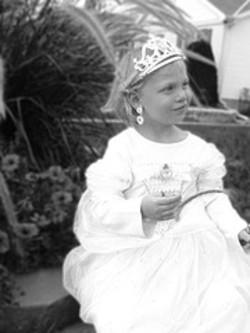 Annika_halloween_princess_2005