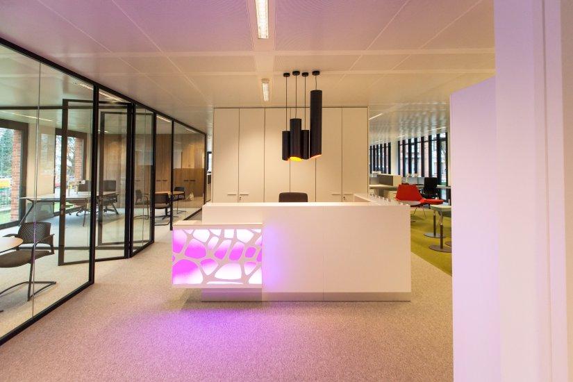 comptoir et banque d'accueil mobilier de bureau professionnel Burama 3