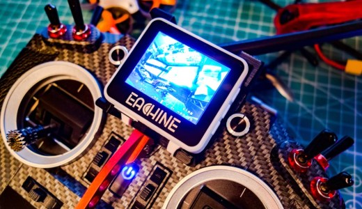 FPVウォッチモニター『Eachine RD200』用ブラケットを使い送信機に装着!
