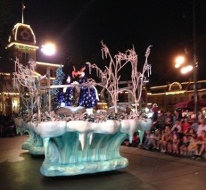 Fun, Merriment And More Await At The Disneyland Resort! #disneyholidays