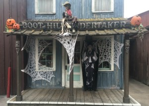 Everything You Need To Know About Visiting Knott's Spooky Farm This October!