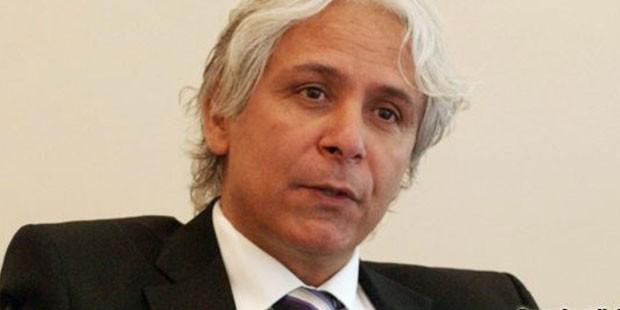 Gazeteci, akademisyen İhsan Dağı da AK Parti iktidarının AVM projesinin altında kaldığını ifade etti.