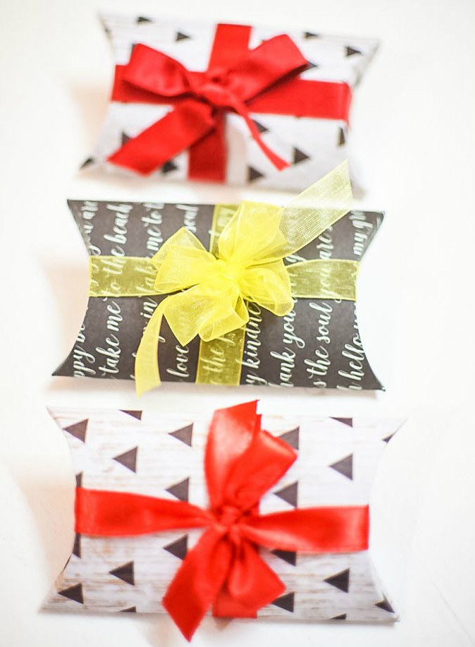 ความสวยงามในการแพ็คของขวัญ: 22 ความคิด